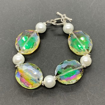Light Green Iridescent Bead and White Pearl Bracelet