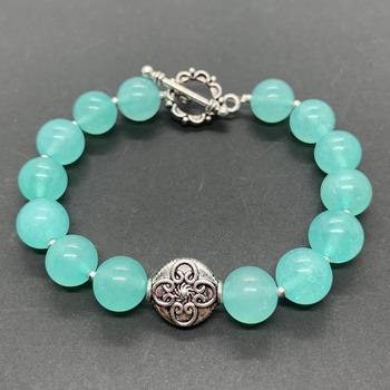 Mint Green Quartzite Bead and Silver Bead Bracelet