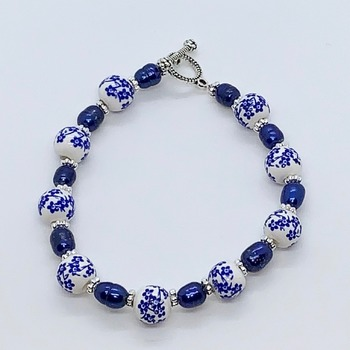Blue Flower Bead and Blue Pearl Bracelet