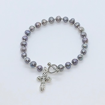 Gray Freshwater Pearl Bracelet with Silver Cross Charm