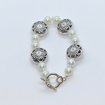 White Pearl and Silver Flower Bead Bracelet