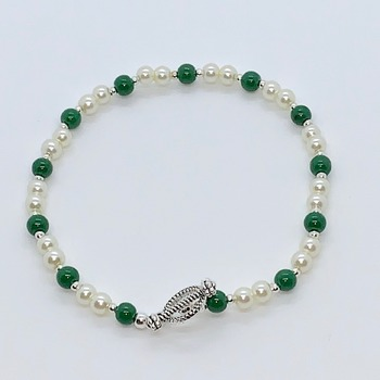 Ivory Pearl and Green Bead Bracelet