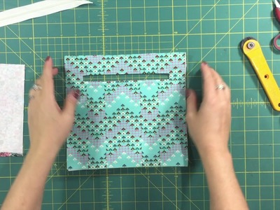 Blue Calla  - Sweet Pea Part 4.5: Lining and Zipper Pocket Assembly