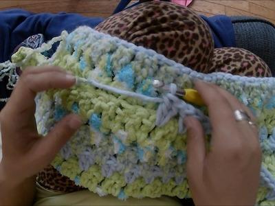 Easy Baby Blanket Using Bernat Baby Bundle Yarn (Crochet)