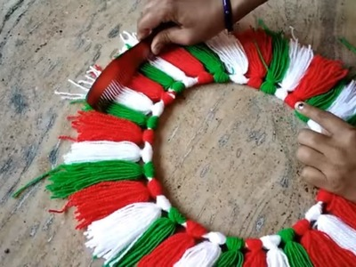 WALL HANGING TORAN MAKING || HOW TO MAKE WALL HANGING TORAN FROM WOOLEN POM POM ||