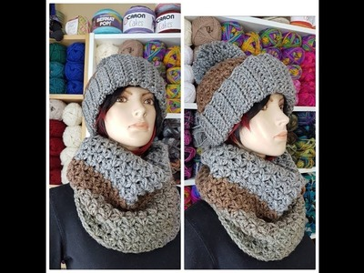 Crochet cowl perfect for a Christmas gifts