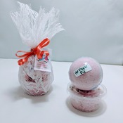Handemade all natural bathbombs