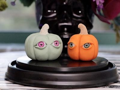 How to Carve 3D Mini Clay Pumpkins! ????