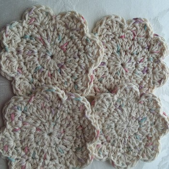 Coasters - 100% cotton yarn - machine washable and dryable - elegant and practical - set of 4