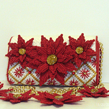 Red and White Poinsettia Clutch