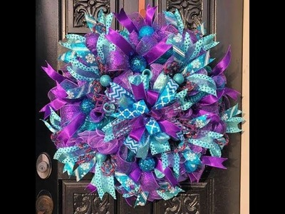 How to make a Christmas wreath with a Terry bow in the center