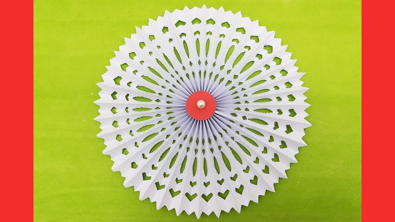 Christmas Snowflake Gift Ideas - How to Make 3d Paper Snowflakes - Christmas Craft Tutorial