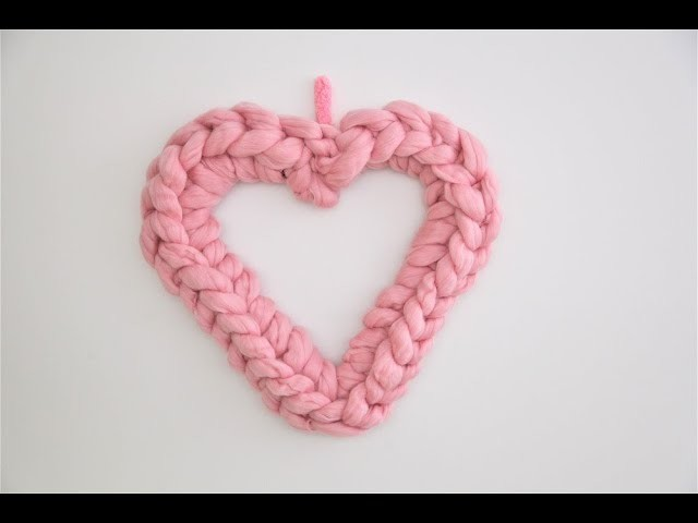 HOW HAND CROCHET HEART WREATH FOR VALENTINE`S DAY