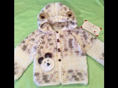 Video 2 de 2 Chambrita a crochet con gorro y orejas de osito, edades de 3 a 6 meses.