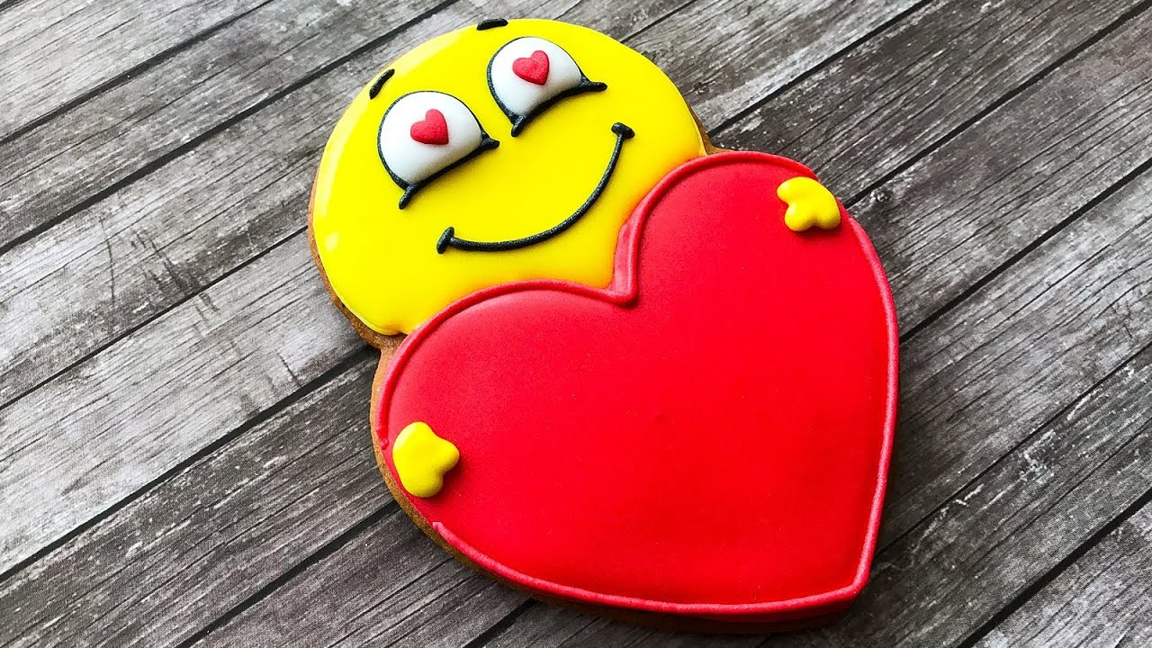 ???????? Love Emoji Cookies - Valentine's Day Heart Sugar Cookies - How To Decorate Sugar Cookies