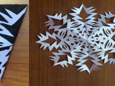 DIY Christmas special paper snowflakes.snowflakes temples for schools bulliten board decoration