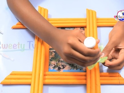 Make Awesome Photo Frame Out Of Paper Sticks | Diy-Paper-Crafts