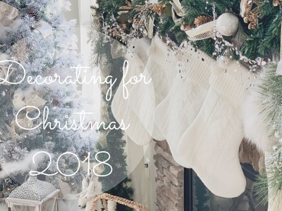 CHRISTMAS DECORATE MY FAMILY ROOM WITH ME | HOW TO DECORATE WITH GARLAND + NEW FAVORITE CANDLES