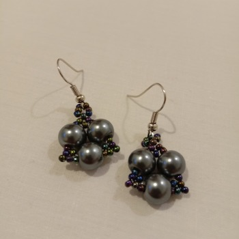 Handmade Triangle Grey Pearl Earrings