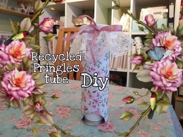 Recycled Pringles Tube - DIY - Cotton pad holder - Cheap