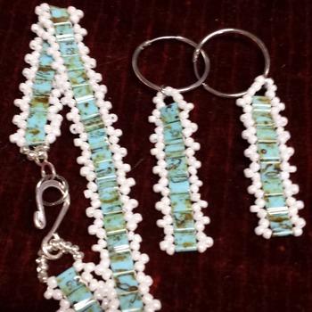 Bracelet and earrings Tila beads