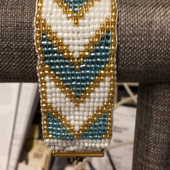 Turquois and White beaded cuff