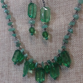 Emerald green glass beads with genuine Jade chips 155951