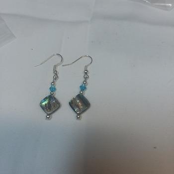 Abalone stone earrings  114921