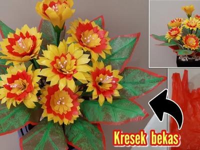 Bunga dari plastik kresek bekas | DIY how to make flowers with plastic bag