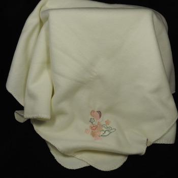 Cream Anti-Pill Fleece Baby Blanket With An Embroidered Picture - Free Shipping