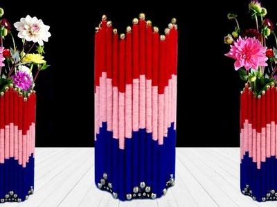 DIY Flower Vase Out of Waste Newspaper and Wool   Easy flower vase making   Home Decor Idea