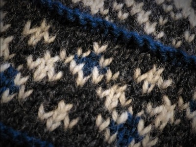 How to knit pattern with three colours