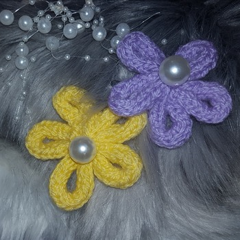 Knitted flower hair clips set of 2