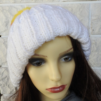 Women's Two Style White Hat With A Pom Pom In The Colours Of The German Flag - Free Shipping