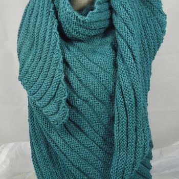 Hand Knitted Women's Green Aran Ribbed Triangular Shawl - Free Shipping