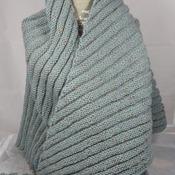 Knitted Women's Green Flecked Aran Ribbed Triangular Shawl – Free Shipping