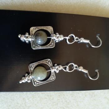 Framed aggate earrings