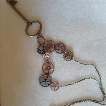 Key and gear necklace