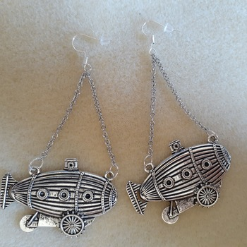 Zeppelin earrings