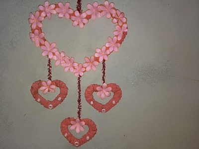 DIY heart wall hanging. newspaper craft