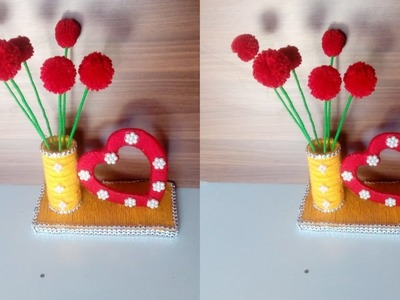 Beat out of waste newspapers craft!! Wool craft!! DIY room decor!! DIY easy flower vase!! showpieces