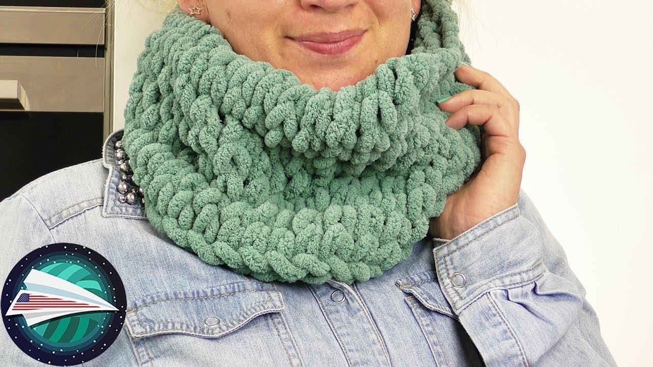 DIY Loop Scarf   Off the Hook Wool   NO TOOLS NEEDED   Super Simple for Kids   Wool Idea