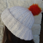 Women's White Two Style Hat With A Pom Pom In The Colours Of The Spanish Flag - Free Shipping