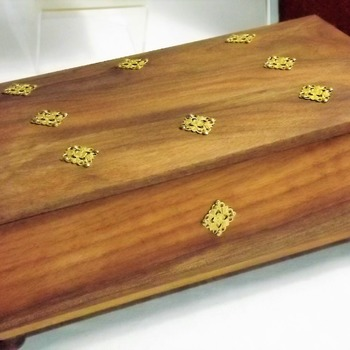 FREE POST - Decorative Solid HARDWOOD Jewellery Box. Trinket keepsake Box & Wooden Storage Box.