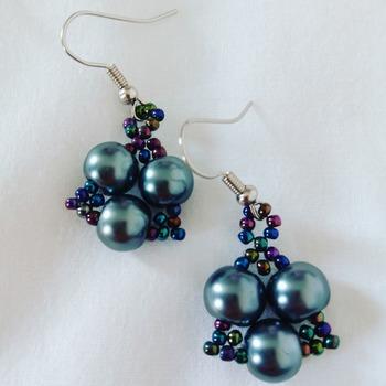 Handmade Grey Pearl Black Tiny Triangle Earrings