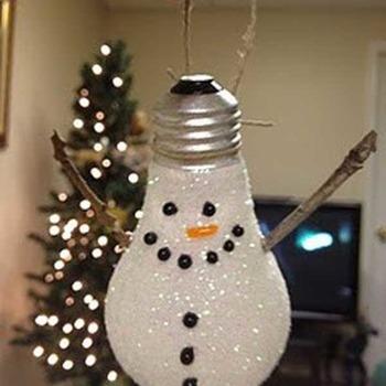 Snowman light bulb