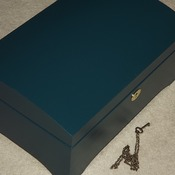 FREE POST - LOCKABLE Wooden GREEN Chest with inner storage tray. Handmade woodwork with lock and key.