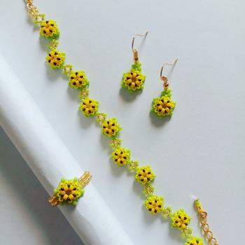 Handmade Daisy Flower Bracelet Earrings Ring Set Jewellery