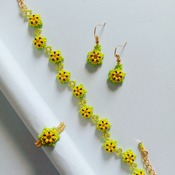 Handmade Daisy Flower Bracelet Earrings Ring Set Jewellery
