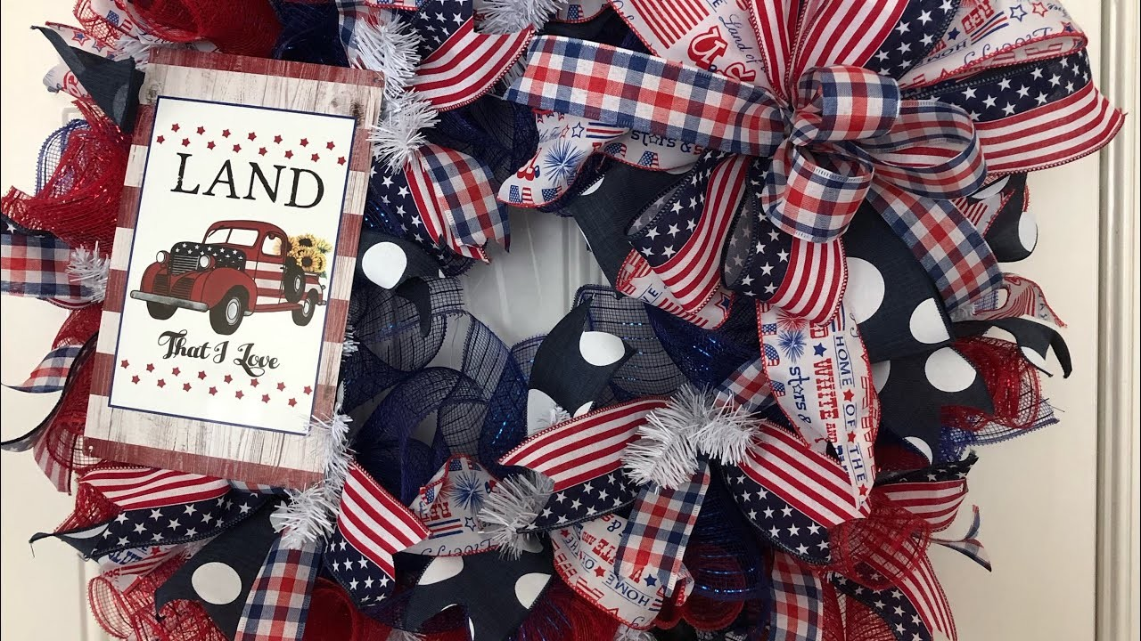 How to make an Patriotic wreath with a kit from Hard Working Mom
